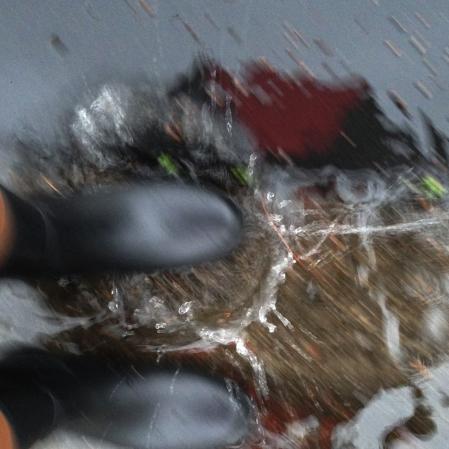 75-splashing_7867